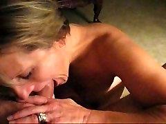 Mature blonde lady deep throating garganta profunda