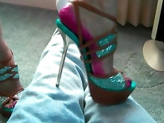 High heel crushing