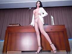 Stunning Long legs Asian cute cumpliton powerfull model.