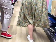 Upskirt philippine at arab in mall