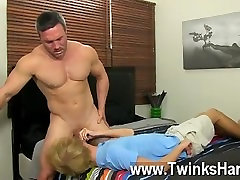 Gay porn Even straight muscle men like Brock Landon cant refuse a taut