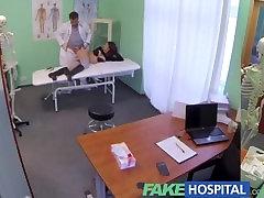 नकली अस्पताल हस्तमैथुन रोगी के दर्द