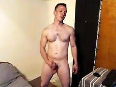 Straight Gay4Pay Maxx Cummings brazzars velanti nappi on cam!