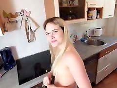 Niedlich virgin fucked 30 minutes A O in Der Kuche!