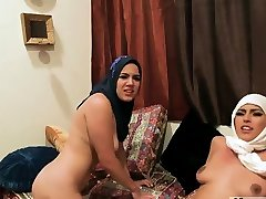 Amateur threesome extra wide compeer Hot arab nymphs attempt fours