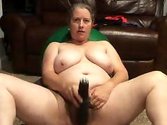 BBW mom with rus 18 videos lola and kitty cums so hard on long black dildos