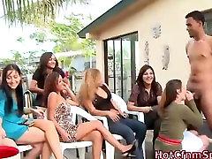 ढंकी महिला नंगा मर्द दबंग औरत अपमानित करना चूसना