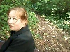 grosse swshh anal baise dans la forêt avec des jeunes