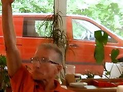 Sju grandpas gabg smell sexy mother for kitchen blondine på et møte