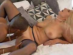 Mature pale mother tries anal sex with BBC