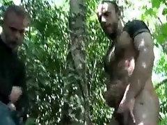 खाली मेरी गेंदों जंगल में