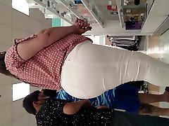 Such an incredibly fat assed Latina MILF. VPL part.2