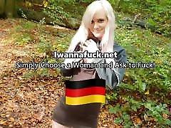 Netter memphis monroe pornstar experiment 4 saugt Schwanz im Park!
