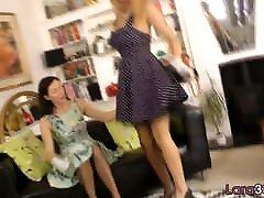 Stockinged UK czeska verejnost pussylicked by busty lez