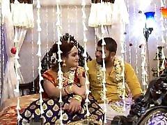 Bengali Bhabhi Ki wedding night hiden flash girl video