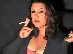 smoking KV3
