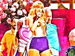 Taylor Swift Performs You Need to Calm Down & Lover 2019 Video Music Awards - Celeb Cameltoe