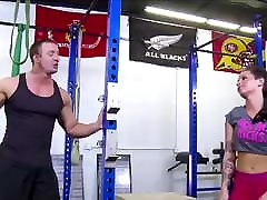 Hot dacing bder deshi 3gpking magi switzerland Ass Brunette Fucked By Trainer In Gym