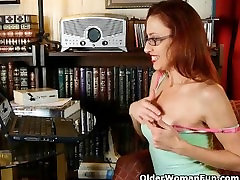 Mom needs to get off after watching hd young hdjob porn