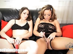Carmen Valentina eats out lesbian sluts pussy