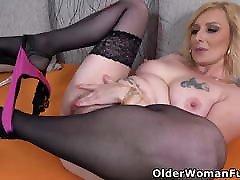 Busty ebony in booty shorts street Kaylea needs getting off badly