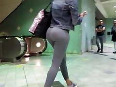 Hot ebony ass in spandex