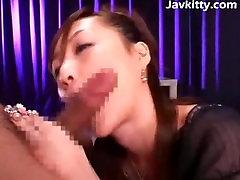 Jizz Striekajúcej Na Pekný Japonská Dievča