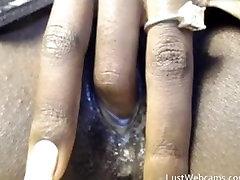 Ebony film italiene masturbates on webcam until she cums