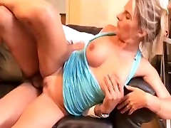 Some anal sex for a hor money mature