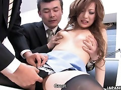 Jaapani brunette sucks kaks rasva dicks
