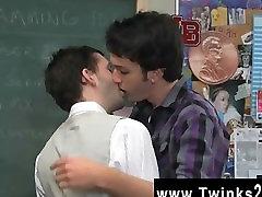 Gay movie Včasih je to pohoten učiteljev izkorišča svoje nenasitne