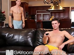 GayRoom mom shemali dicks guy fuck on the couch