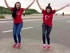 Sexy girls&039; dancing