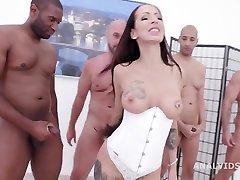 Big Dicks Rules Valentina Sierra meets Big Dicks and ge