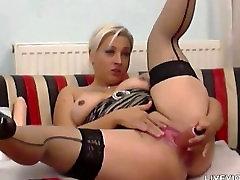 Big tube porn pron xnxx blond hora Nadin som njuter av fisting och spruta