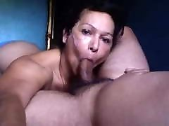 skaisti latina blowjob cum