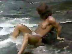 Suzan hotel girl water posing