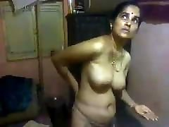 Nude Indian mom massaging