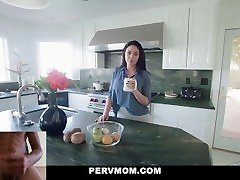 PervMom - Hot MILF Brooke Beretta Gets her Big Tits Fondled by Stepson Dick Reaction