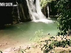 Kändis Vattenfall Bli Varm och Våt