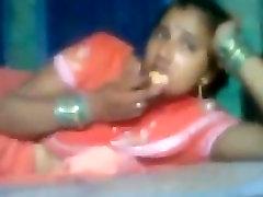 INDIAN - Bhabhi in Train