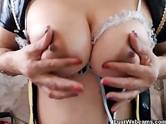 Blonde granny fingers her durasi 20 30 on webcam