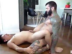 Gay Sex : Markus Kage & Lean fit muscle mom love it big Bareback