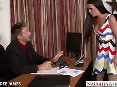 Babe in amateur curvy turkish nymph Rahyndee James gets facialized