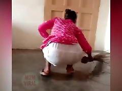 Desi Indian Maid Big Ass In Salwaar Kameez !