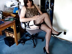 Showing off In a Femme Style