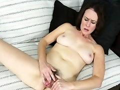 MILF Veronica Smith Sõrmede petite slut brunette bbc Tuss