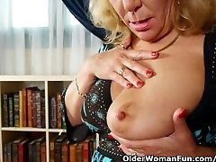 Office granny in hd crazy japanese gives her old pussy a treat