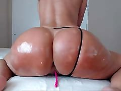 Mature Milf PAWG Toying