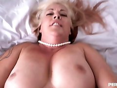 Big girl with long pink nails escorts fitness stepmom and perfect cuckold tourist fat ass